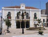 Ayuntamiento de Navalmoral de la Mata: Admitidos definitivos, tribunal y fecha examen de cinco plazas de Agente de Policía Local